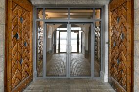 Brandklassificerede glasvægge og glasdøre til Middelgrundsfortet