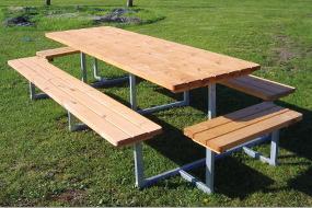 Det her er ikke bare borde og bænke. Det er robuste udendørs områder