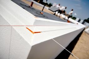 Grøn Standard gør store vinduespartier mulige
