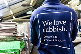 Hjælp os med at indsamle og genanvende gulvmaterialer