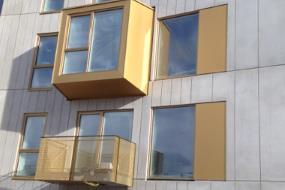 Oplevelsesrig arkitektur med præfabrikerede karnapper