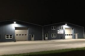 Plads- og facadebelysning til lagerhaller