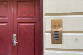 Spritnye Siedle Classic dørtelefonanlæg pryder facader på Vesterbro
