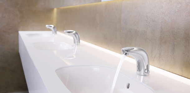 Stor arena prioriterer høj hygiejne og vandbesparelse med smarte armaturer