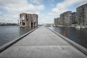 Store flotte betonfliser og kajkanter til kajanlægget