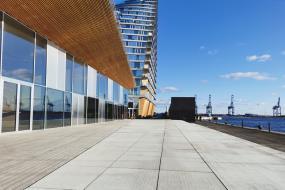 Store rustikke betonfliser til Bjarke Ingels-projekt