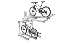 Totalløsninger inden for informationsskabe og cykelstativer